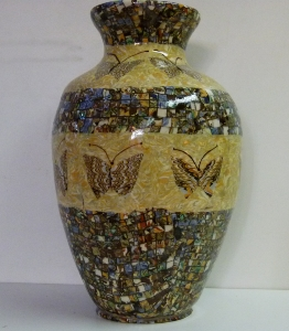 Vase mosaique incrustation papillons